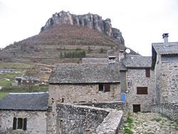 2-Trèves actuel, rocher du Regard vu du village