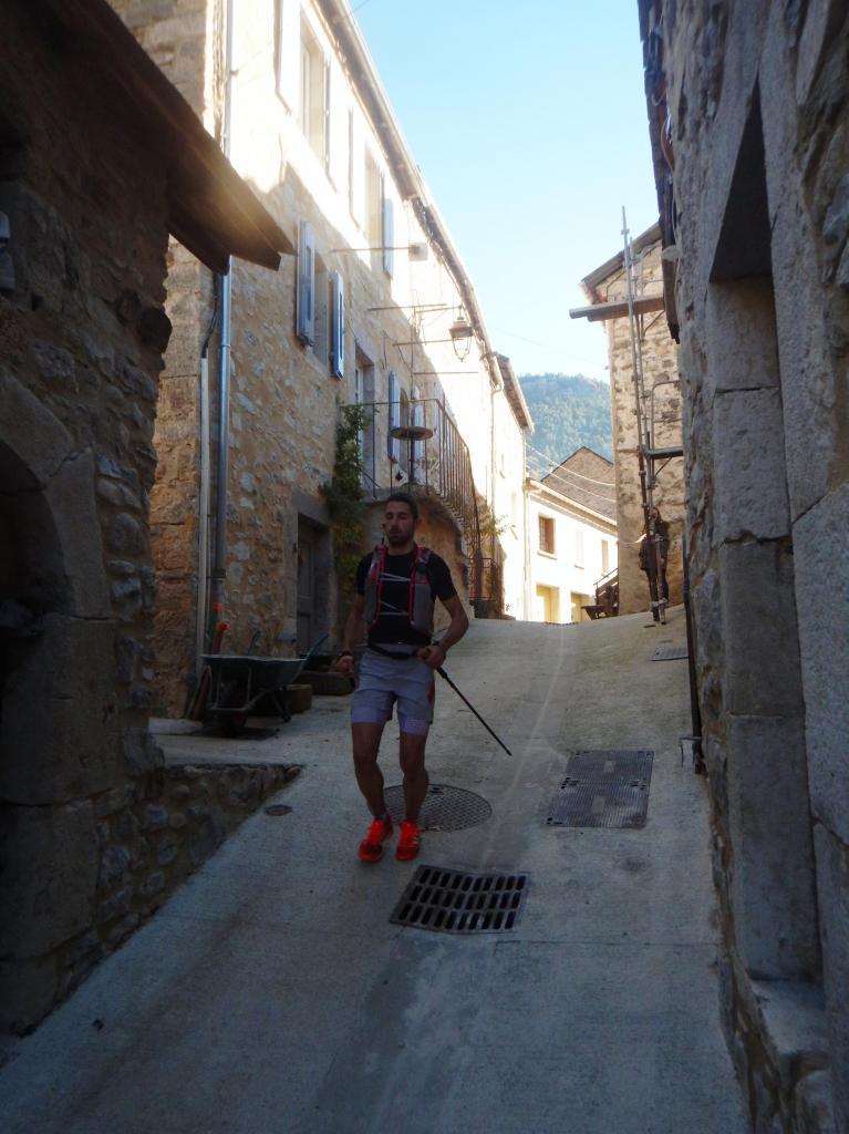 La traversée du Village 1