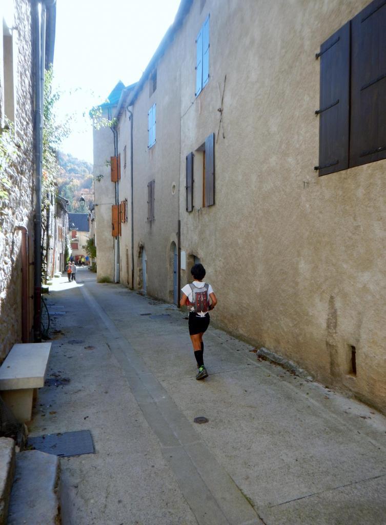 La traversée du Village 5