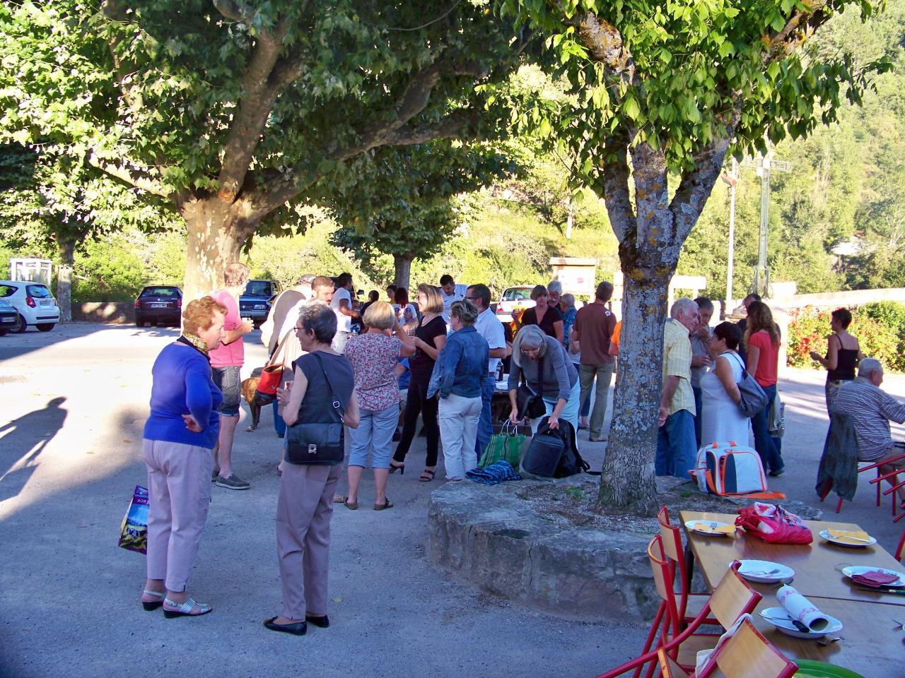 repas village du 23 08 2016